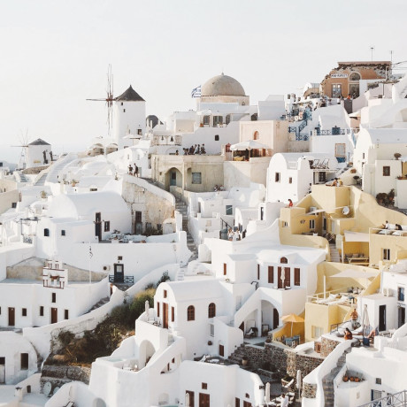 A Beginner's Guide to Greek Island Hopping With a Group