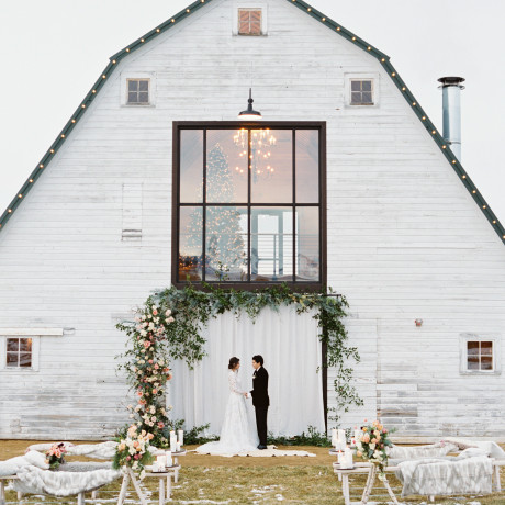 How to Style a Magical Winter Wedding in 8 Steps