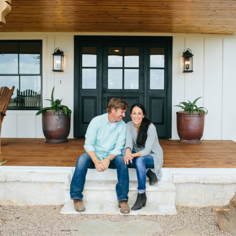 9 Gorgeous Dinner Party Pieces from Chip & Joanna Gaines New Collection at Target