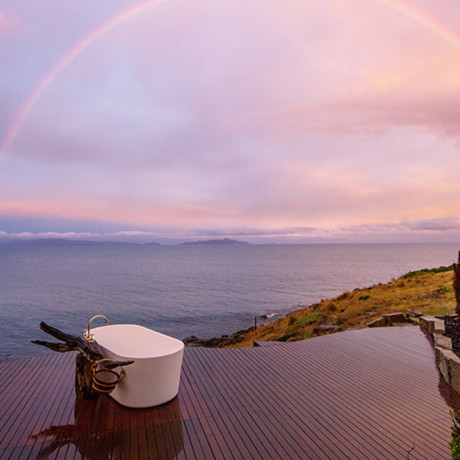 Around The World in 33 Perfectly Perched Bathtubs