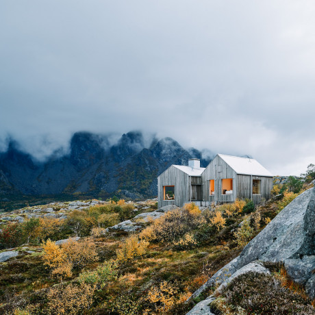 7 Off the Grid Hideaways Around the World