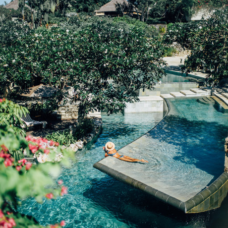 31 Must-See Beautiful Pools Around The World
