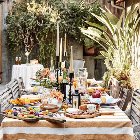 How to Plan an Al Fresco Backyard Bridal Shower