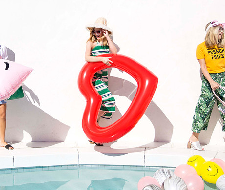 The 25 Coolest Pool Floats for Your 2016 Summer Shindigs!