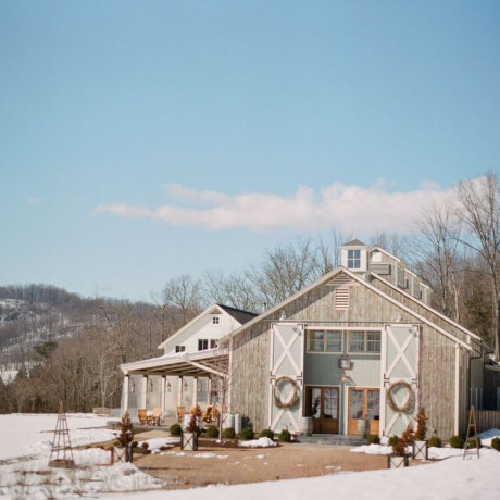 5 Things You MUST Ask Your Winter Wedding Venue by Pippin Hill Farm