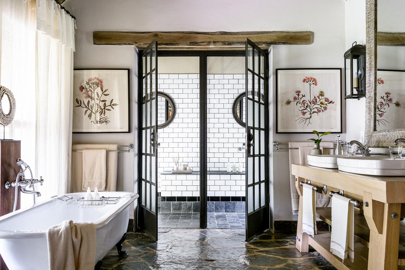 Who knew bathrooms in the plains of South Africa could be so luxurious.