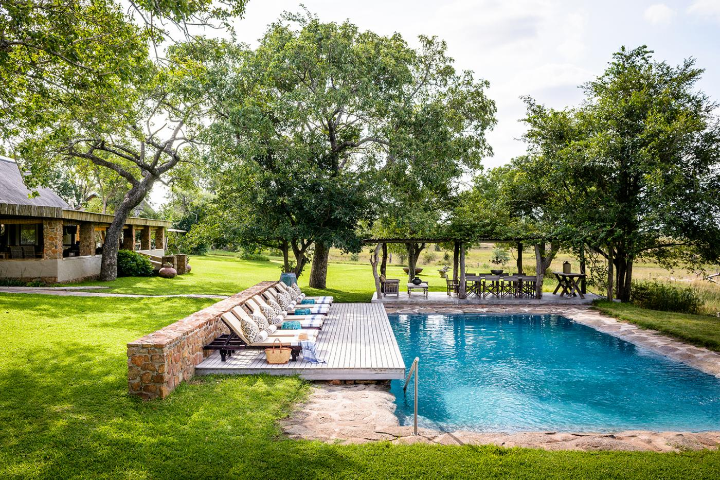 If you are planning an amazing birthday pool party, Singita Castleton in South Africa is the place to go.