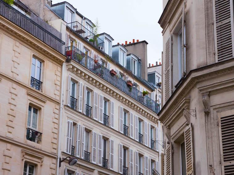 Discover Parisian architecture of times past with this itinerary.