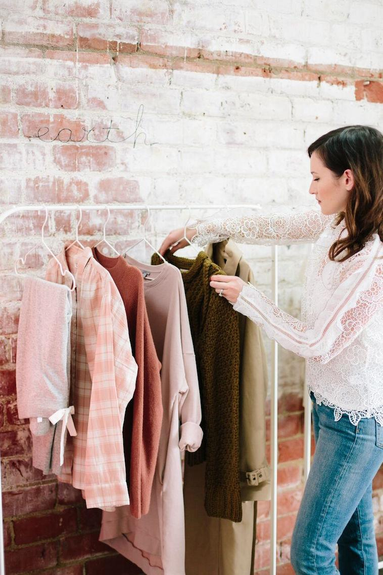 Dreaming of an intimate personal styling session? Catherine of The Life Styled is making your dream comes true!