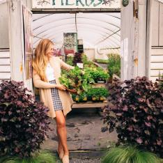 A Style Maven's Guide to Exploring Martha's Vineyard in Any Season