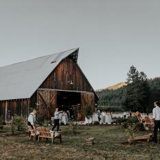 We Found a Hundred-Year-Old Barn in the Pacific Northwest That Totally Feels Like Home