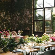 This Dinner Party Took Place in a Vine-Covered Atrium in NYC