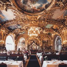 This Restaurant Inside a Parisian Train Station Feels Like a Luxury Railcar