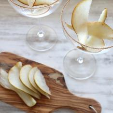 Your Guests Will Love These Fall Cocktail Recipes With Sparkling Wine in Them