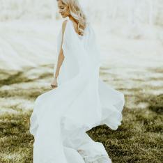 See How This Couple Mastered the Classically Elegant yet Boho Wedding Style
