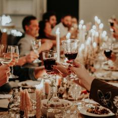 The Foolproof Guide to Hosting a Dinner Party, According to These Event Pros