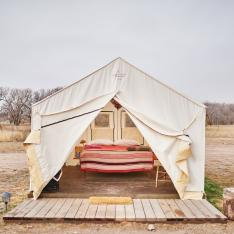 Stay in an Airstream or a Teepee at This Crazy Cool Marfa Glampsite