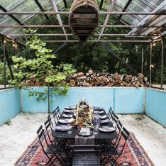 This Dinner Party Took Place in an Empty Pool