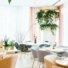 We're Obsessed with This New Botany-Inspired Cocktail Lab And All Its Presentation Trickery