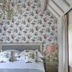 A COUNTRYSIDE CHIC ESTATE : DORMY HOUSE: ENGLAND