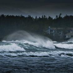 Birthday Bucket List of The Week: Throw a Storm Watching Party