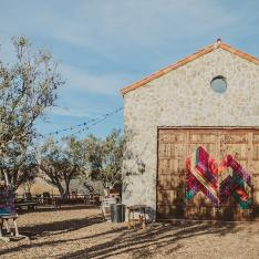 A Whimiscal Bohemian Wedding At Cielo Farms Venue In Malibu