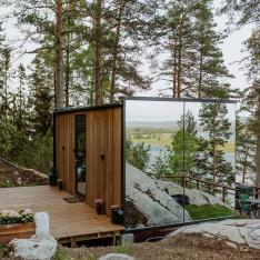 This Tiny Mirrored Cabin in Norway Provides the Ultimate Winter Escape