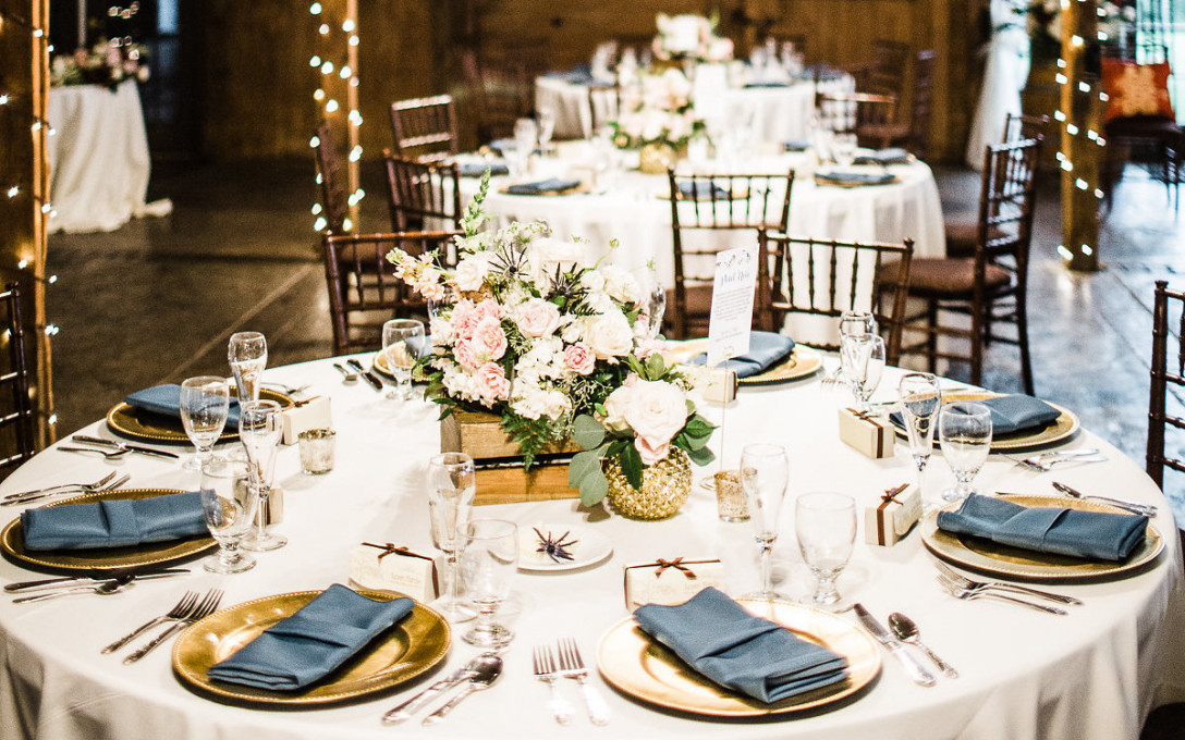 Complimentary Decor Package at The Stable at Bluemont Vineyard