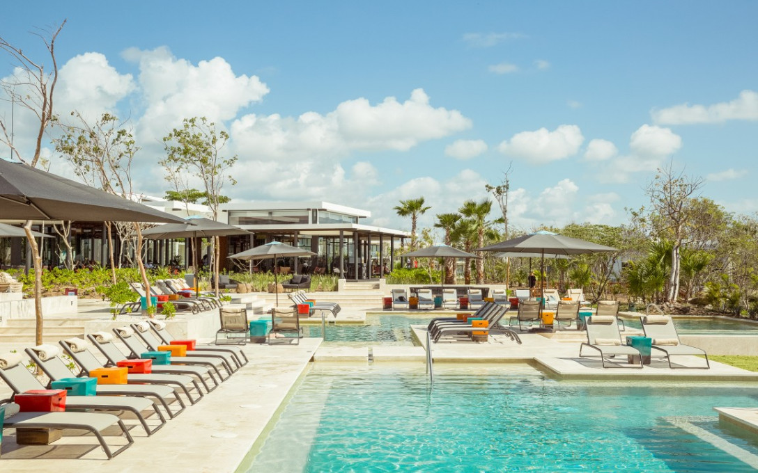 See It To Believe it at Andaz Mayakoba