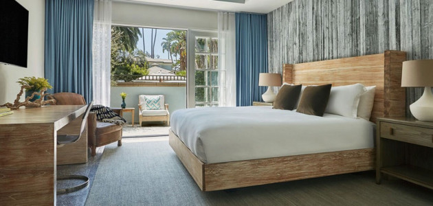 4th Night Free Plus Hotel Credit at Fairmont Miramar Hotel & Bungalows