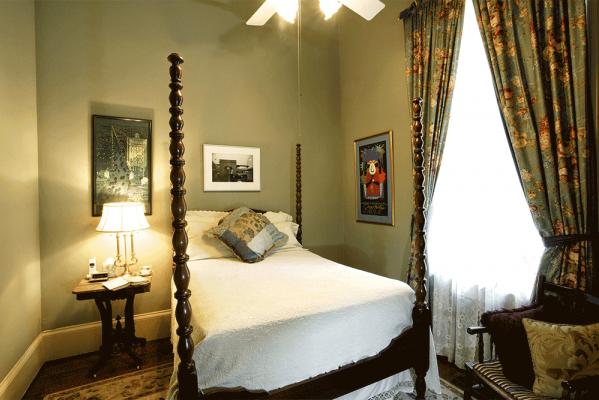 Benachi House & Gardens - New Orleans