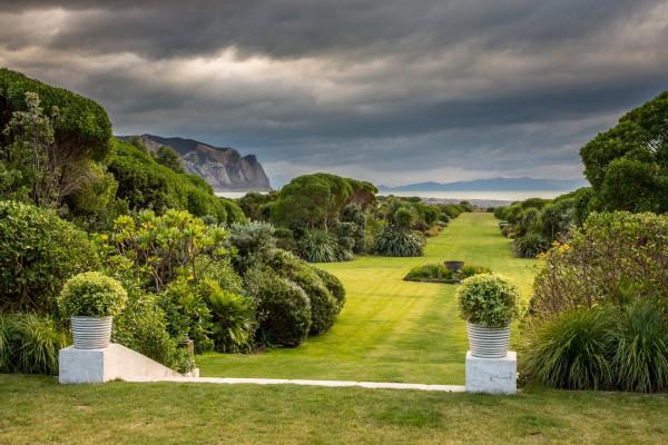 Paripuma Native Garden and Coastal Accommodation