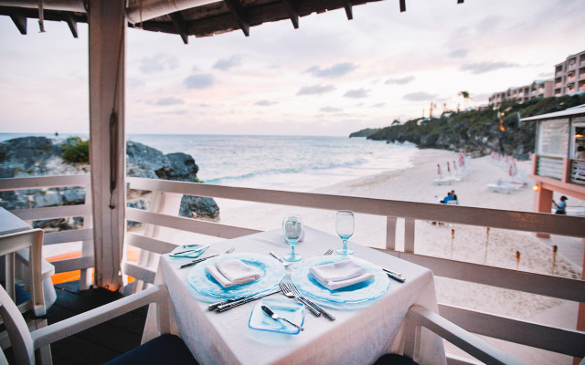 Coconuts Restaurant at The Reefs Resort & Club