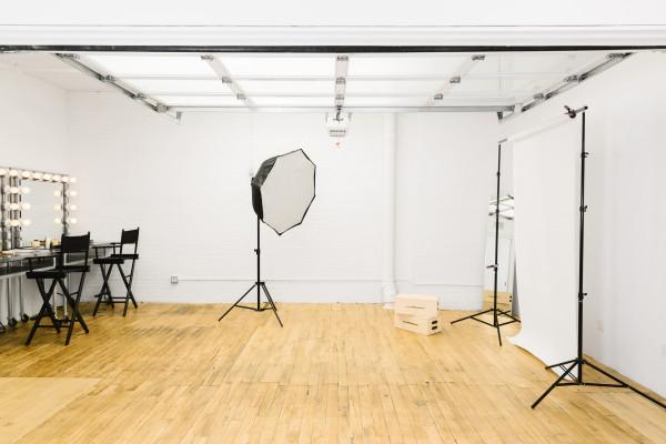 Modern Tribeca Showroom & Studio