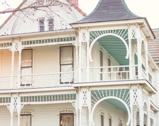 Barr Mansion & Artisan Ballroom