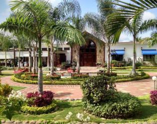Pikaia lodge gal pagos islands ecuador venue report for Villas 400 salamanca