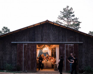 The Barn at Twin Oaks Ranch