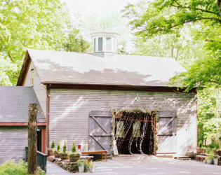 The Roxbury Barn & Estate