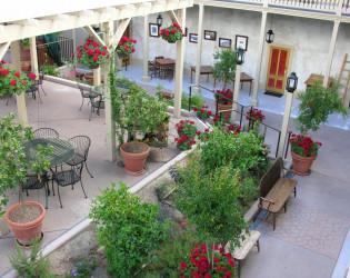 Cosmopolitan Hotel and Restaurant