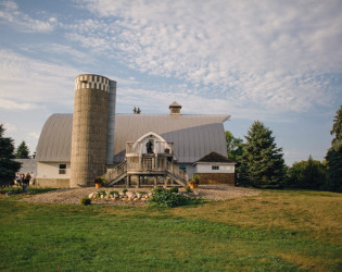 Barn at Five Lakes Resort