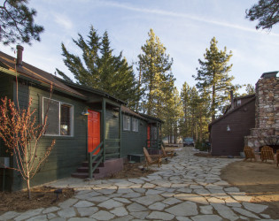 Noon Lodge