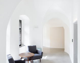 Long Story Short Hostel & Café