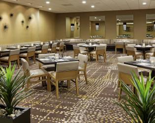 Doubletree by Hilton Palm Spring Golf Resort