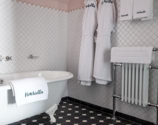 Henrietta Hotel