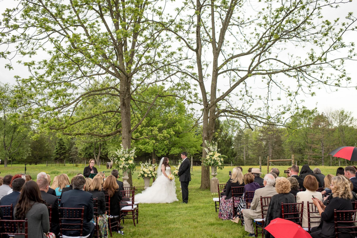 WoodsEdge Farm Weddings & Events