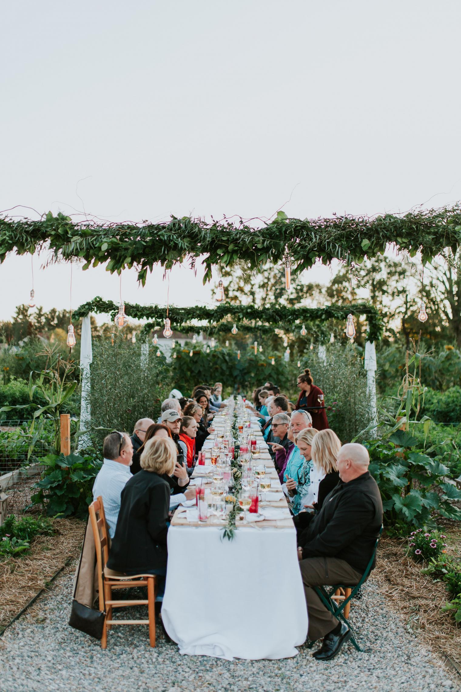 5f4db088ccdb 28 Wedding Venues That Put Food First