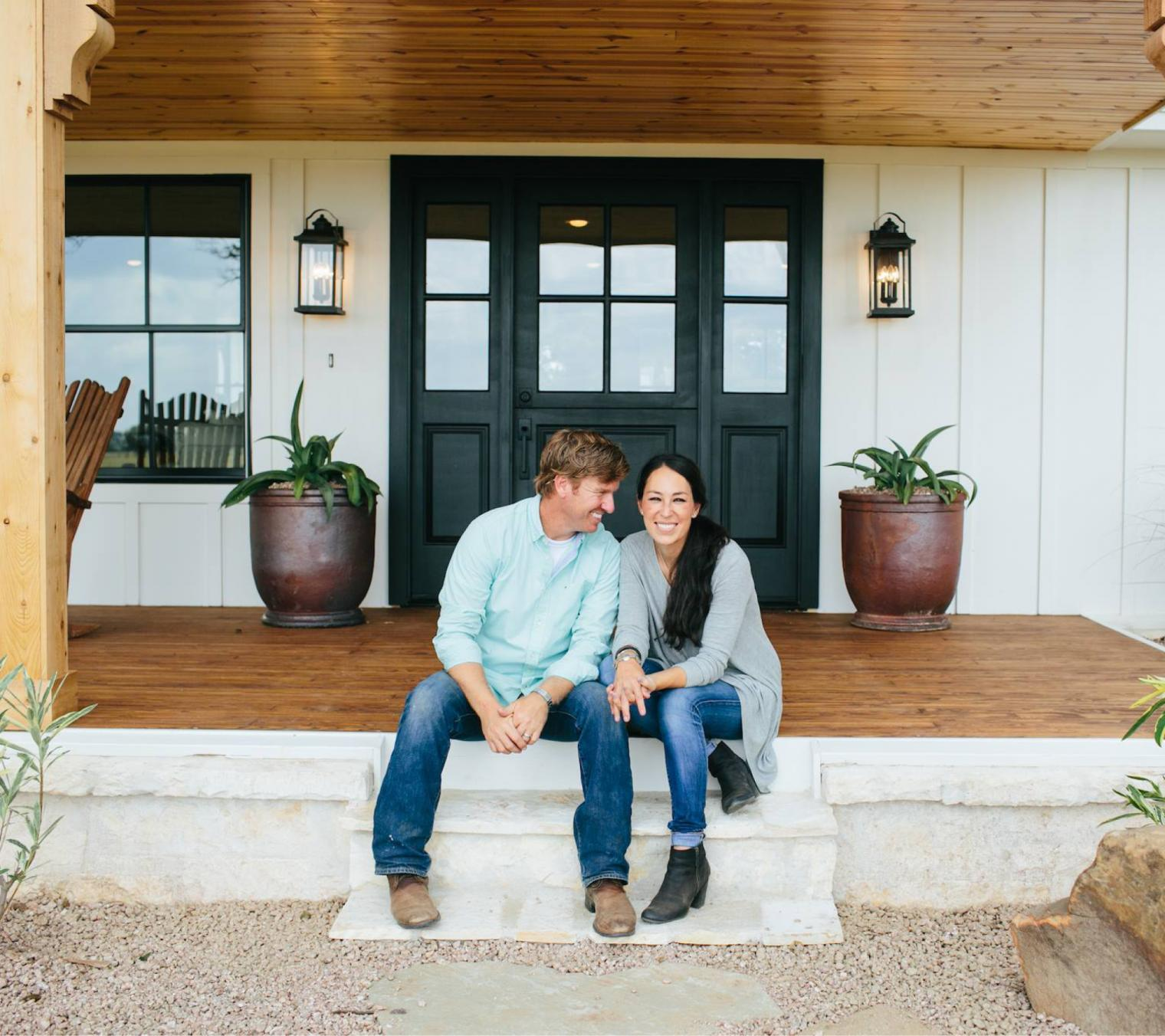 9 Gorgeous Dinner Party Pieces From Chip Joanna Gaines New