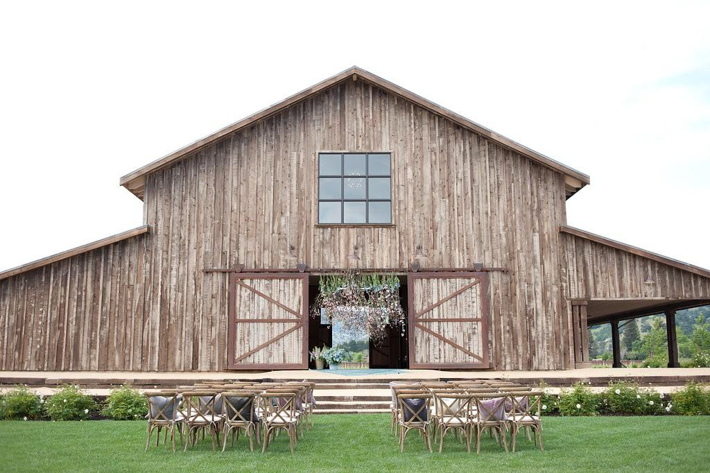 Top wedding barns in the usa 2016 for Top wedding venues in usa