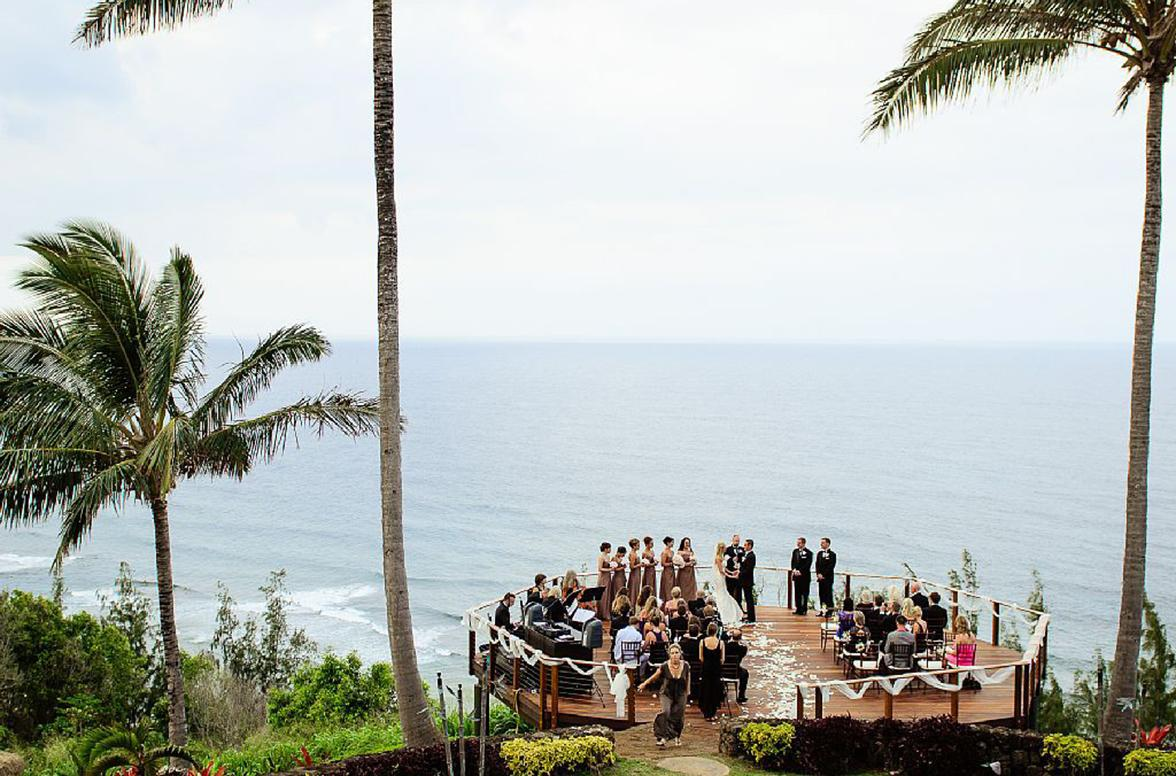 Hawaiian wedding venues with serious tropical vibes junglespirit Images