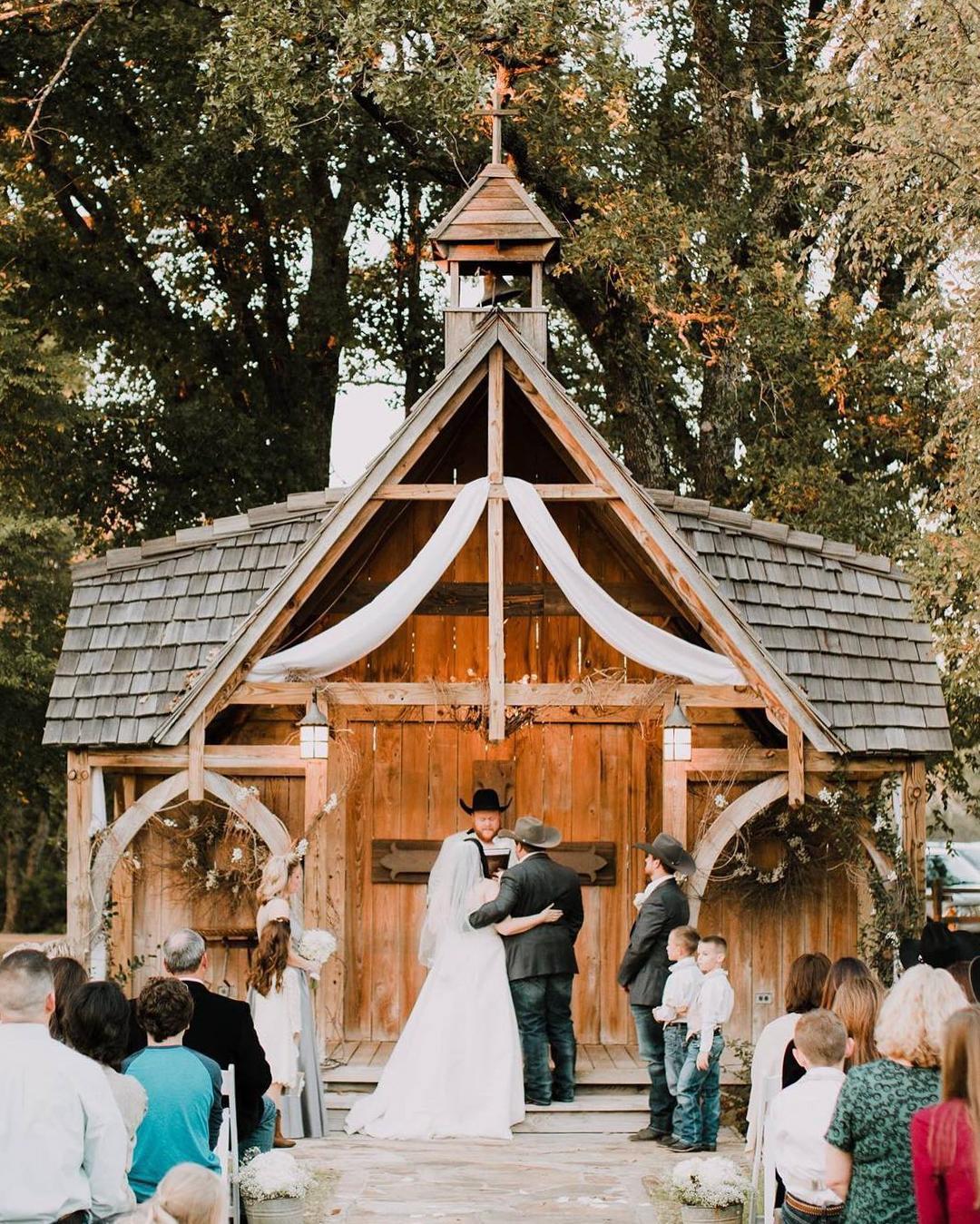 Wedding Venues In East Texas: 90 Beautiful Barn Venues Across The USA